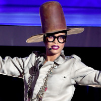Erykah Badu has been castigated on social media for her 'unnecessary' swipe at Iggy Azalea at the 2015 Soul Train awards